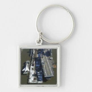 Flugzeugträger furchtloses New York City Silberfarbener Quadratischer Schlüsselanhänger