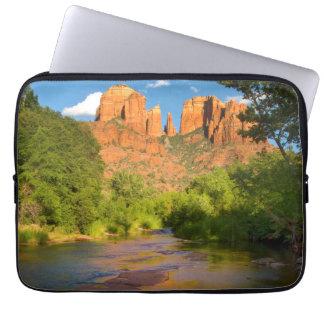Fluss an der roten Felsen-Überfahrt, Arizona Laptopschutzhülle
