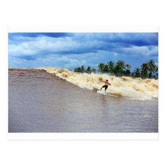 Fluss, der Gezeiten- Bohrung sieben Geister surft Postkarte