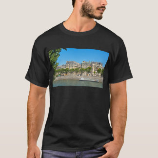Fluss die Seine in Paris, Frankreich T-Shirt
