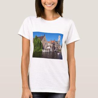 Fluss in Brügge, Belgien T-Shirt