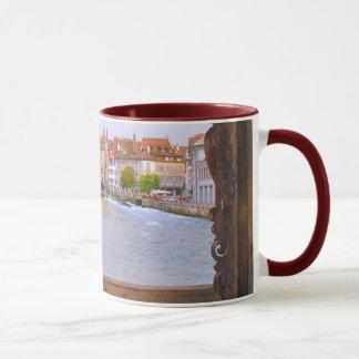 Fluss in der Luzerne, von der hölzernen Brücke Tasse