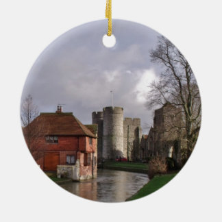 Fluss-Szene mit Schloss und Gärten Rundes Keramik Ornament