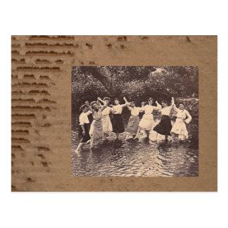 Fluss-Tanz Postkarte