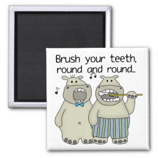 Flusspferde putzen Ihre Zähne Magnete
