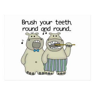 Flusspferde putzen Ihre Zähne Postkarte