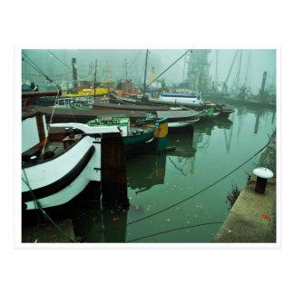 Foggy Harbor Postkarte