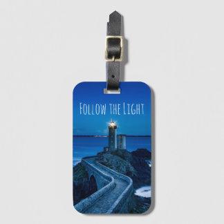 Folgen Sie dem hellen Leuchtturm Gepäckanhänger