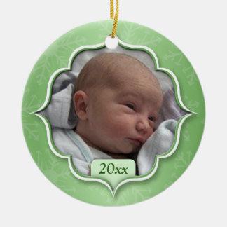 Foto-Verzierung des Babys grüne erstes Weihnachts Rundes Keramik Ornament