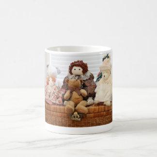 Fotografie der Vintagen Spielwaren, Bären, Kaffeetasse