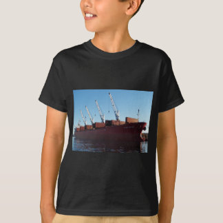 Frachtschiff-Ofen-Händler, der auf Fracht nimmt T-Shirt