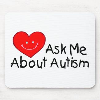 Fragen Sie mich über Autismus (Herz) Mousepad