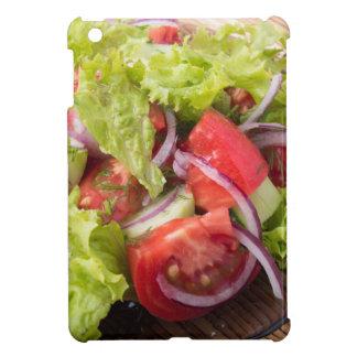 Fragment des vegetarischen Salats vom Frischgemüse iPad Mini Hülle