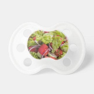Fragment des vegetarischen Salats vom Frischgemüse Schnuller