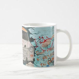 Fragment von Berliner Mauer Kaffeetasse