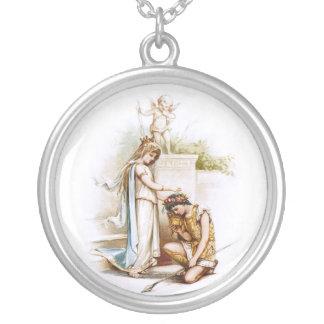Frances Brundage: Prinzessin Thaisa und Pericles Halskette Mit Rundem Anhänger