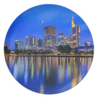 Frankfurt-Skyline an der Dämmerung Melaminteller