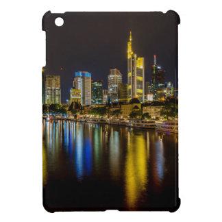 Frankfurt-Skyline nachts iPad Mini Hülle