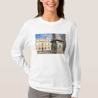 Frankreich, Arles, Provence, Platzde-La T-Shirt