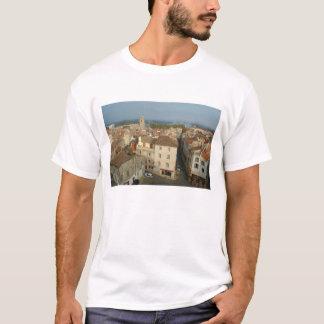 Frankreich, Arles, Provence, Stadtansicht von T-Shirt