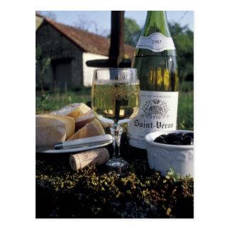 Frankreich, Burgunder, Chablis. Lokaler Wein und Postkarte