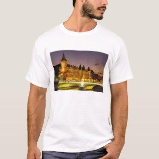 Frankreich, Paris, Conciergerie und Fluss die T-Shirt