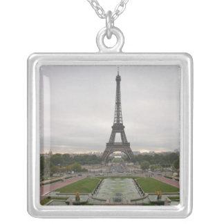 Frankreich, Paris, Eiffelturm Versilberte Kette