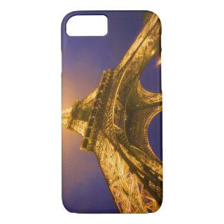 Frankreich, Paris. Oben schauen von der Basis von iPhone 8/7 Hülle
