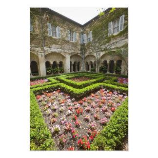 Frankreich, Provence, St. Remy-De-Provence. Garten Photographischer Druck