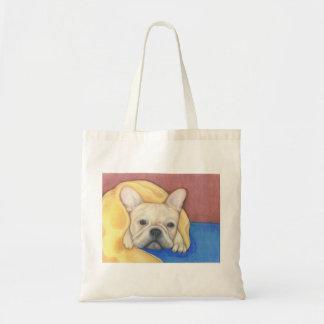 Französische Sahnebulldogge mit umfassender Tasche
