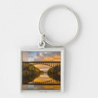 Französischer König Bridge im Fall Schlüsselanhänger