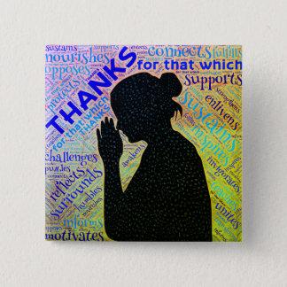 Frau, die Dank im Gebets-Button gibt Quadratischer Button 5,1 Cm