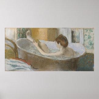 Frau Edgar Degass | in ihrem Bad, ihr Bein Poster