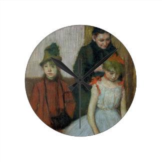 Frau Edgar Degass | mit zwei kleinen Mädchen Runde Wanduhr
