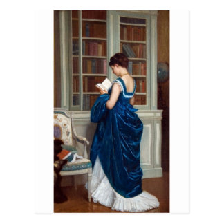Frau im Blau, ein Buch lesend Postkarte