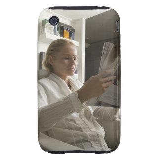 Frau im Frisörsalon iPhone 3 Tough Hüllen