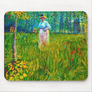 Frau im Garten durch Vincent van Gogh Mauspads