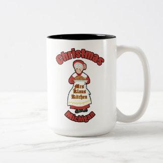 Frau Klaus vom Weihnachten, Michigan Zweifarbige Tasse