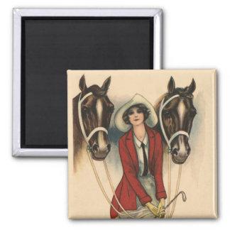 Frau mit dem zwei Pferdemagneten Quadratischer Magnet