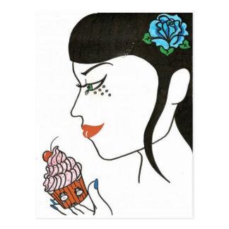 Frau mit kleinem Kuchen Postkarte