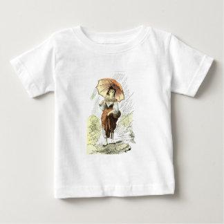 Frau mit Regenschirm im Regen, Vintag Baby T-shirt