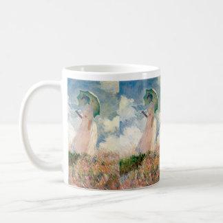 Frau mit Sonnenschirm-Promenade Monet Kaffeetasse