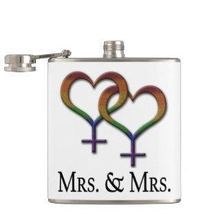 Frau und Frau Lesbian Pride Flachmann