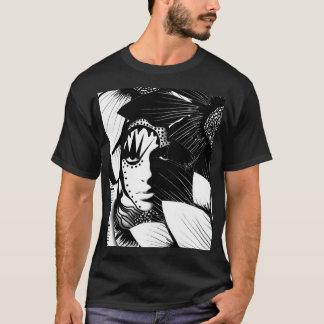 Frau unter Blumen T-Shirt in Schwarzweiss