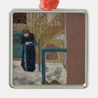 Frau Vuillard im Studio eines Set-Designers Quadratisches Silberfarbenes Ornament