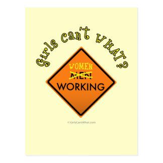 Frauen, die Bau-Zeichen Arbeits sind Postkarte