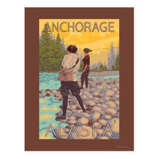 Frauen fliegen Fischen - Anchorage, Alaska Postkarte
