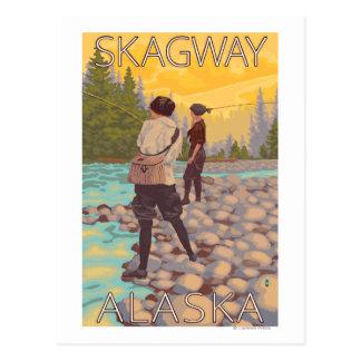 Frauen fliegen Fischen - Skagway, Alaska Postkarte