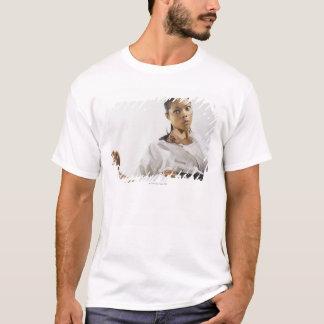 Frauendarstellende Kriegskünste 2 T-Shirt