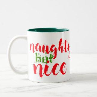 frecher aber netter Weihnachtskaffee-Tassenentwurf Zweifarbige Tasse